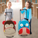 05_zoo_kids_rolling_luggage_monkey_212303_2700_1.jpg