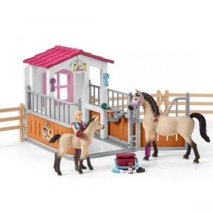 schleich horse stall with arab horses and groom 1 - HTUK Gifts
